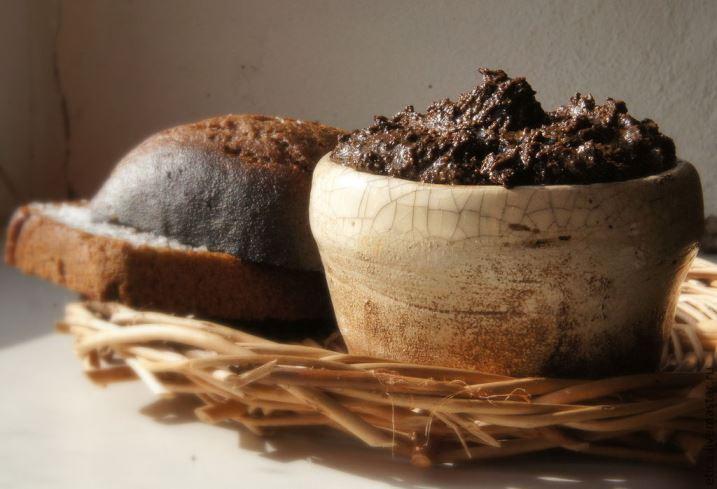 Маска с ржаным хлебом