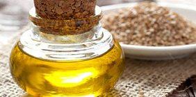Кунжутное масло обладает исключительным набором микроэлементов, витаминов и полезных питательных веществ