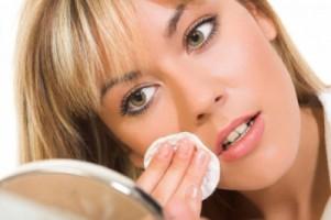 очищение лица ватным диском